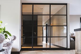 Dubbele deur met vaste zijpanelen